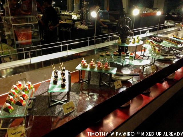Bandung - Padma Hotel - The Restaurant - Kampung Nelayan - Dessert - The canapes