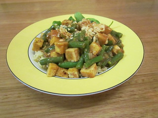 Tofu with Green Beans with Hoison-Almond Sauce