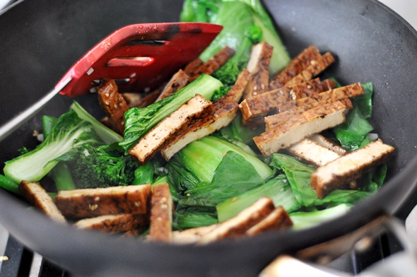 Tofu, Bok Choy & Broccolini Noodles with Maple-Soy-Sesame Sauce | www.fussfreecooking.com