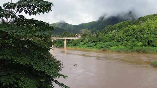 2014 coolpix laos nikon nongkhiaw p300 river water namou