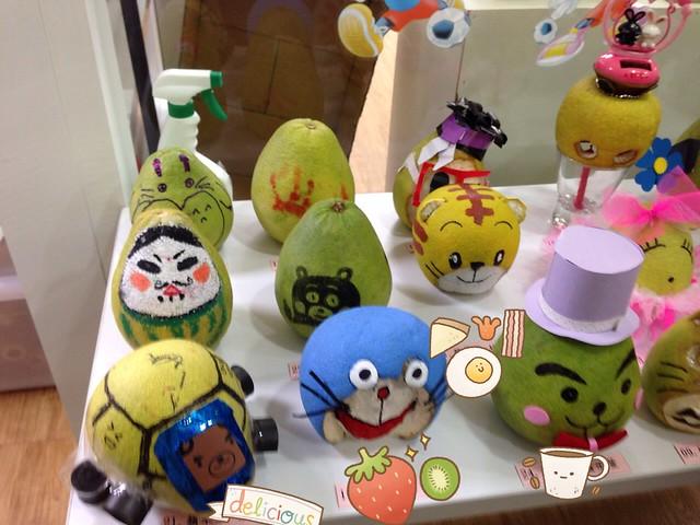 家長們和寶寶一起製作的柚子們