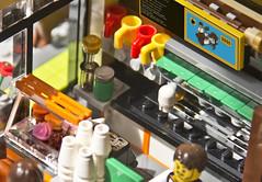 LEGO Movie Coffee Shop: Espresso Machine and Pastry Case
