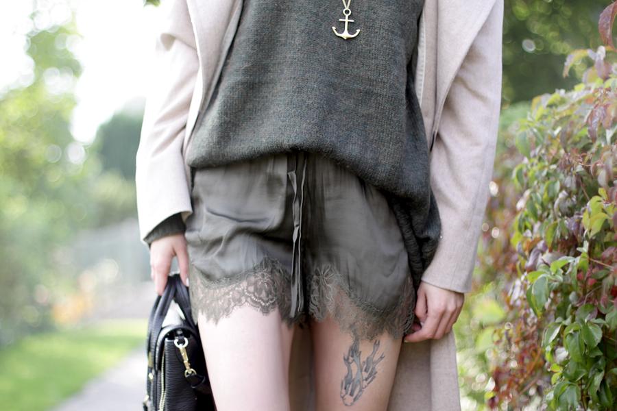 windsor. look coat oversized grey nude green style ootd fashion look CATS & DOGS ricarda schernus 4