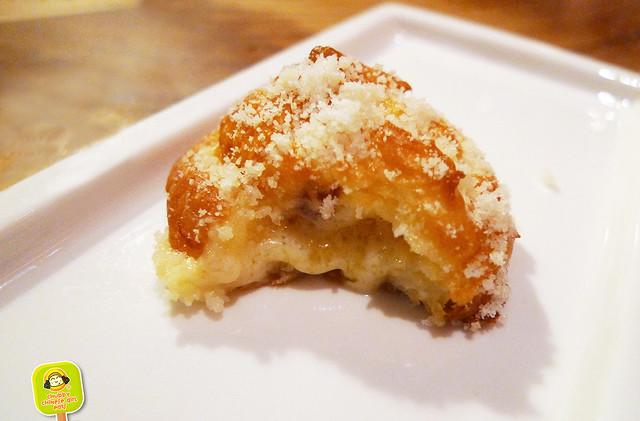 Corkbuzz - Gougeres fontina, speck - cheesy