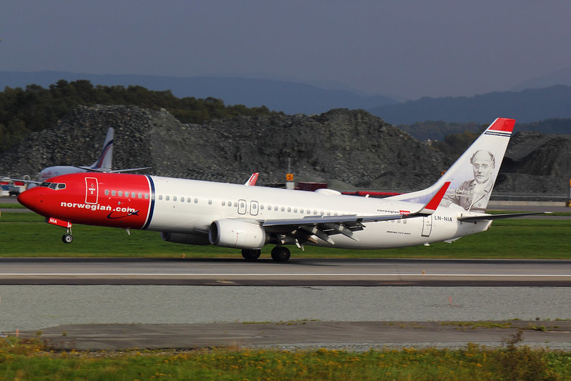 Norwegian - B738 - LN-NIA (1)