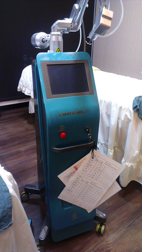 萊佳形象美學儀器Unixel-飛梭