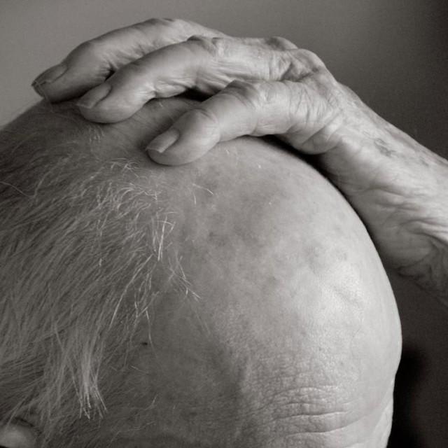 Photography-of-a-centenarian-10-640x640