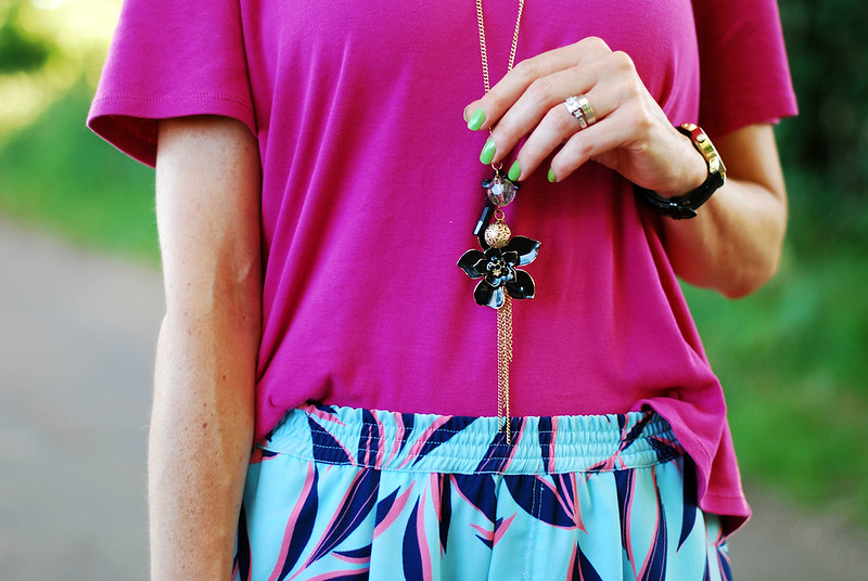 Hot pink and palm print #summer #style