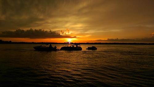 lakeconway oneography htconem8 sunsetsuncloudsskyloversskynaturebeautifulinnaturenaturalbeautyphotographylandscape