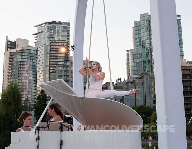 2014 Diner en Blanc Vancouver-10