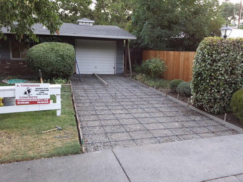 Reinforced concrete driveway ready to pour in davis for What temperature to pour concrete outside