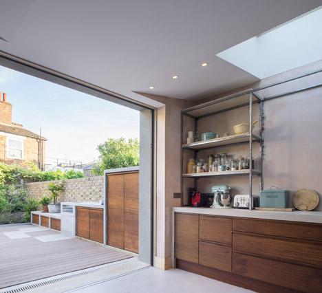 Concrete-House-by-Studio-Gil_dezeen_468_11