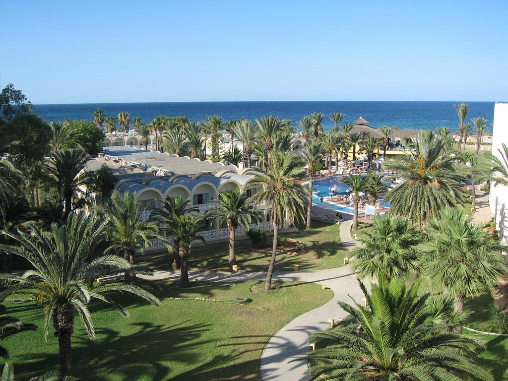 Tunis More