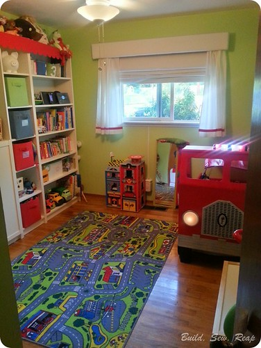 Fire Truck Toddler Bed by Julie at Build, Sew, Reap