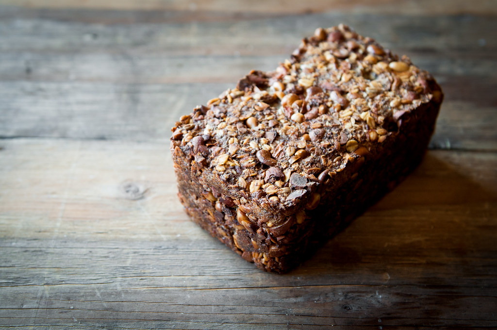 Glutenfree Oat and Nut Loaf