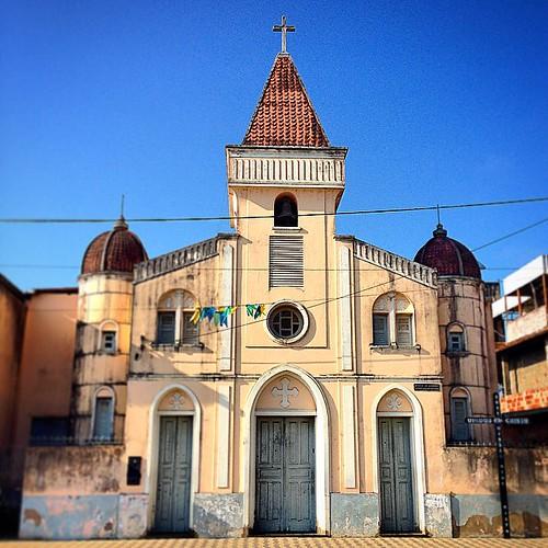 Igreja #ferradas  #igreja #church #santuário #mesquita #templo #cruz #fé #caminhosdafé #cristã #capela #católico #cruz #azul #itabuna  #bahia #brasil
