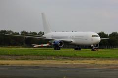 Vip 767 and derelict Canberra WJ992 - Bournemotuh 13-9-2014