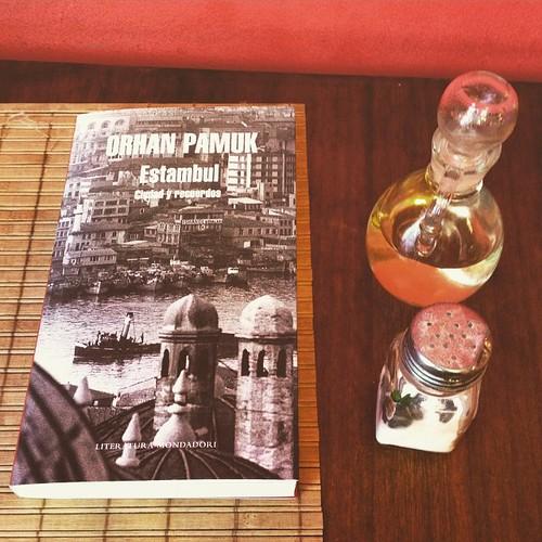 Orhan Pamuk. Estambul, ciudad y recuerdos #libro 📖