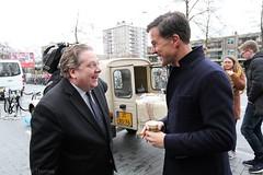 Met Paul Slettenhaar - MP Mark Rutte bezoekt i.h.k.v. de verkiezingscampagne het Gelderlandplein in Amsterdam