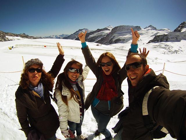 Junto al glaciar Aletsh en la cima del Jungfrau