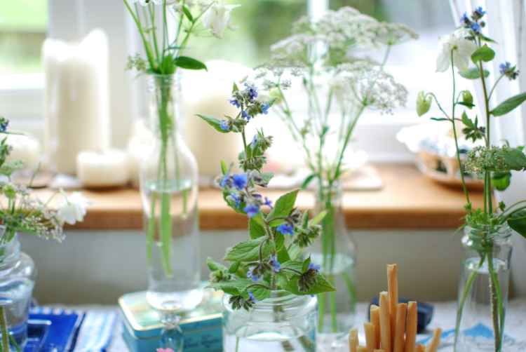 chambray and curls wildflowers on the table