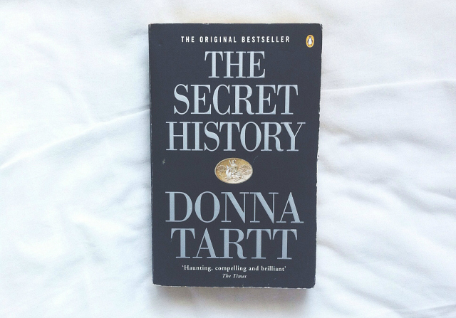 the secret history donna tartt on my shelf book tag books review lifestyle vivatramp blog