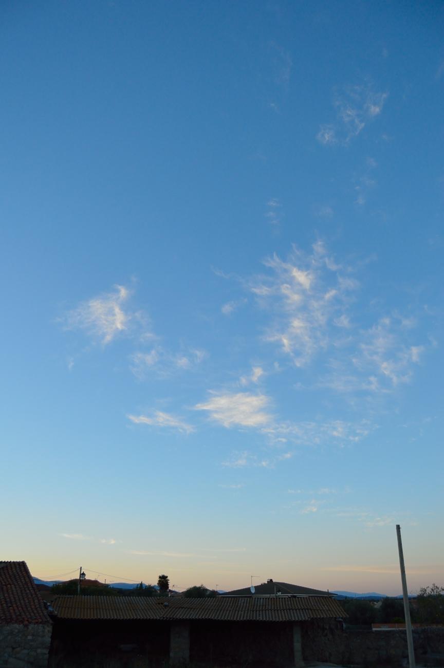 lara-vazquez-madlula-sunset-summer-sky