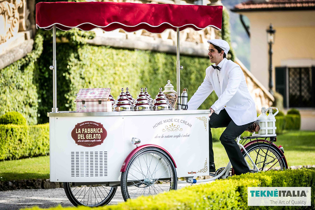 """Italian mobile gelato ice cream cart for client: """"La Fabbrica del Gelato"""" Como lake, Lenno"""
