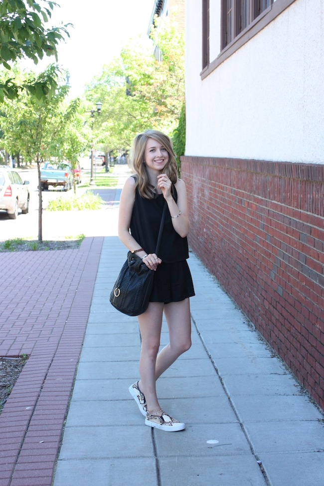 chelsea+lane+zipped+truelane+blog+minneapolis+fashion+style+blogger+justfab+american+eagle+soft+shorts+vintage+steve+madden+blonde+salad+tnyc+slip+ons+chiara+ferragni9