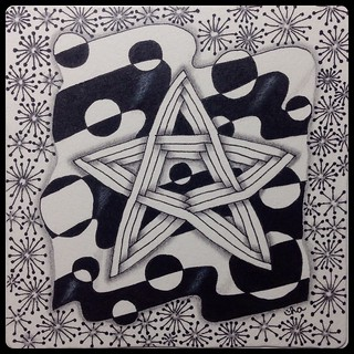 "Zentangle® : Weekly Challenge #174 : Superimposing Strings : ""Stars & Stripes"""