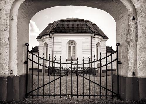 bw church monochrome port skåne spring gate sweden portico öved 2014 övedskloster