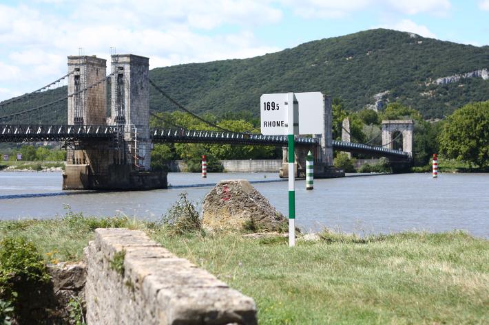 rhone river bridge drôme