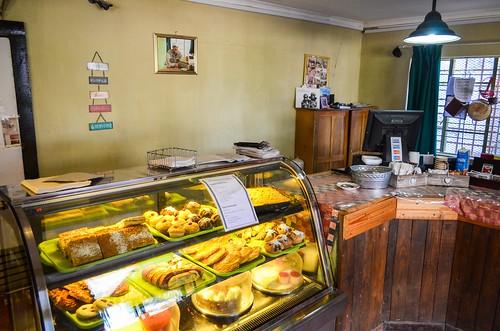Solitaire, desert bakery