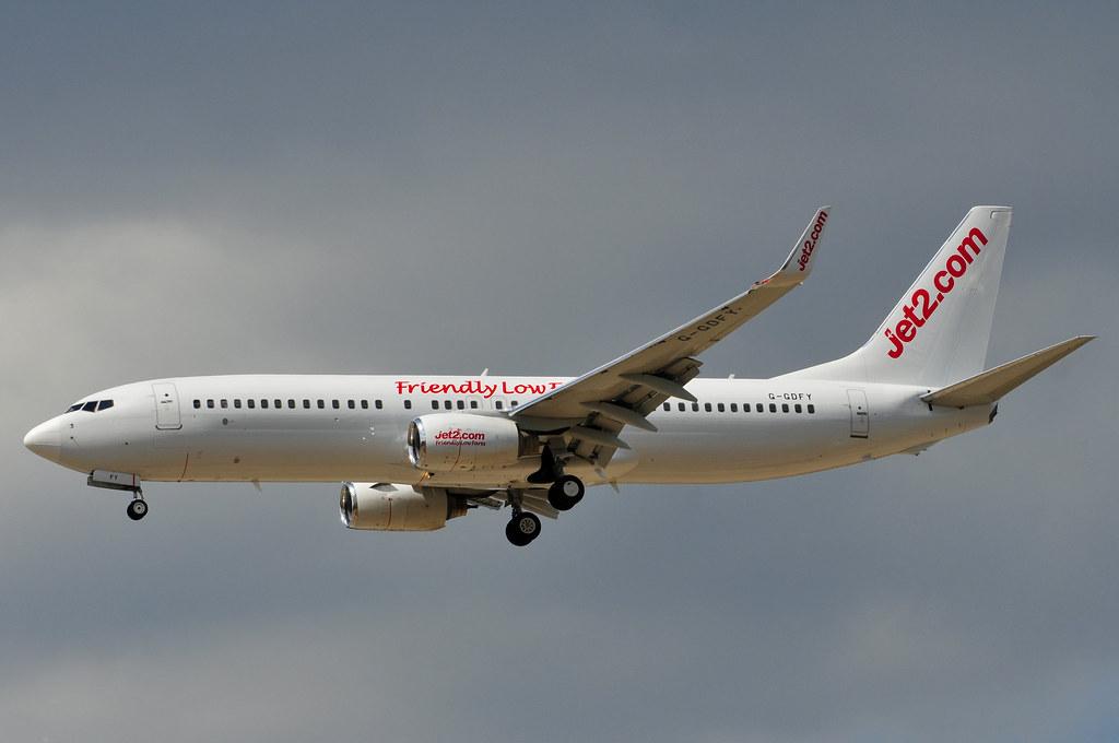 G-GDFY - B738 - Air Santo Domingo