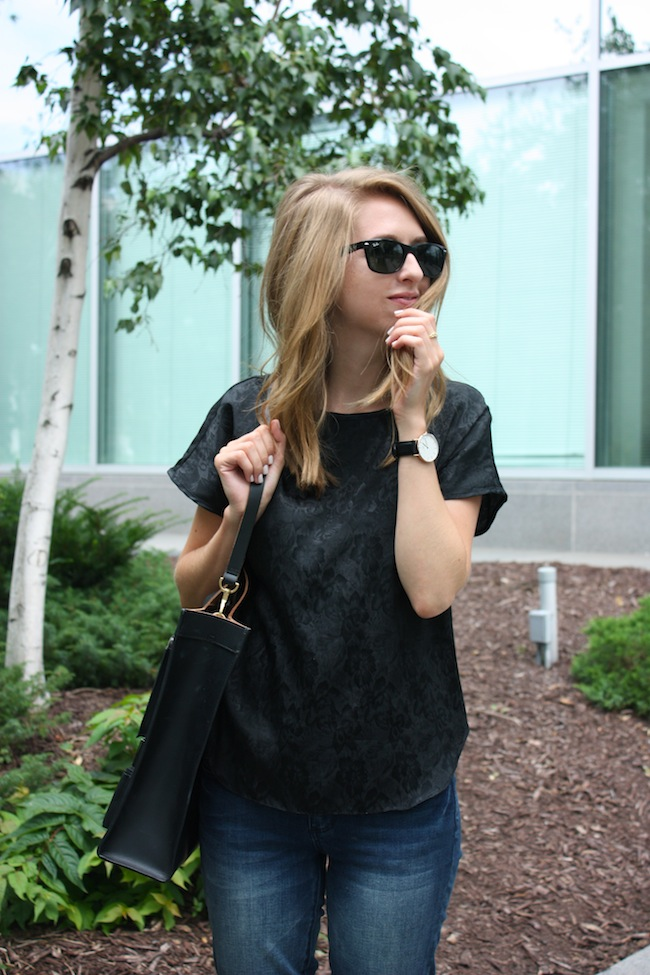 chelsea+zipped+truelane+blog+minneapolis+fashion+style+blogger+justfab+leopard+loafers+kate+spade+saturday+inside+out+tote2