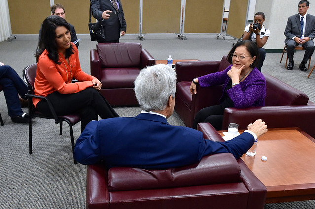 Secretary Kerry Meets With Members of Hawaii's Congressional Delegation Following Asia Policy Speech