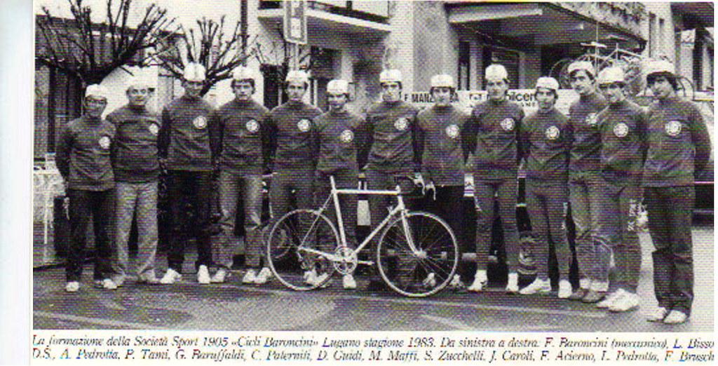 Squadra dilettanti Cicli Baroncini 1983 - Baruffaldi quinto da sinistra
