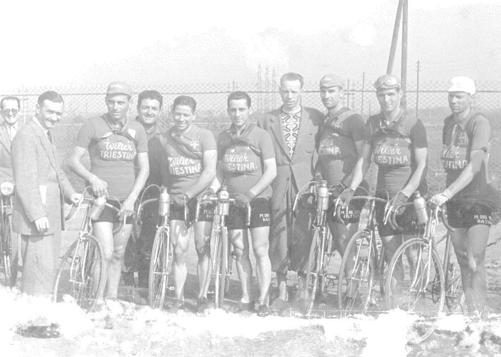 1949 - Wilier Triestina da dx: 2° De Santi Guido - 4° Cottur Giordano (DS) - 5° Selvatico Selvino - 6° Grosso Adolfo - 7° Barbiero Renato - 8° Ausenda Giuseppe
