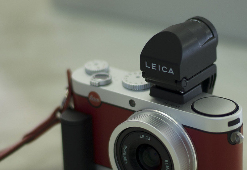 LEICA X2 Red Leather Edition