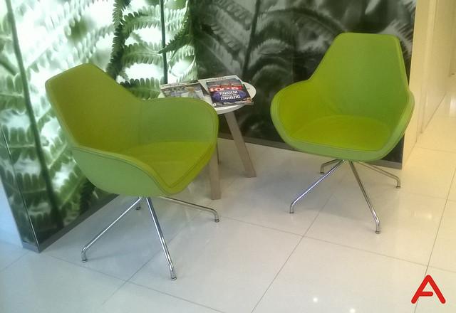 green_fan_armchair_01