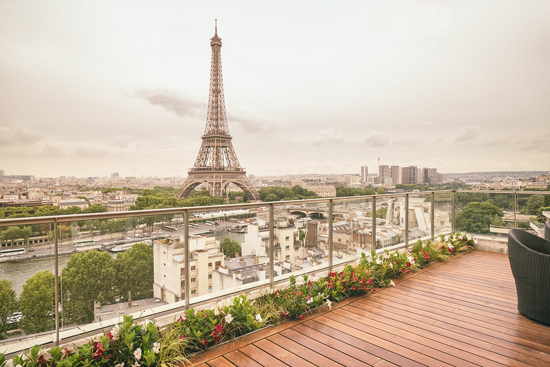 Paris - Shangri-La Hotel - Stunning Eiffel Tower View
