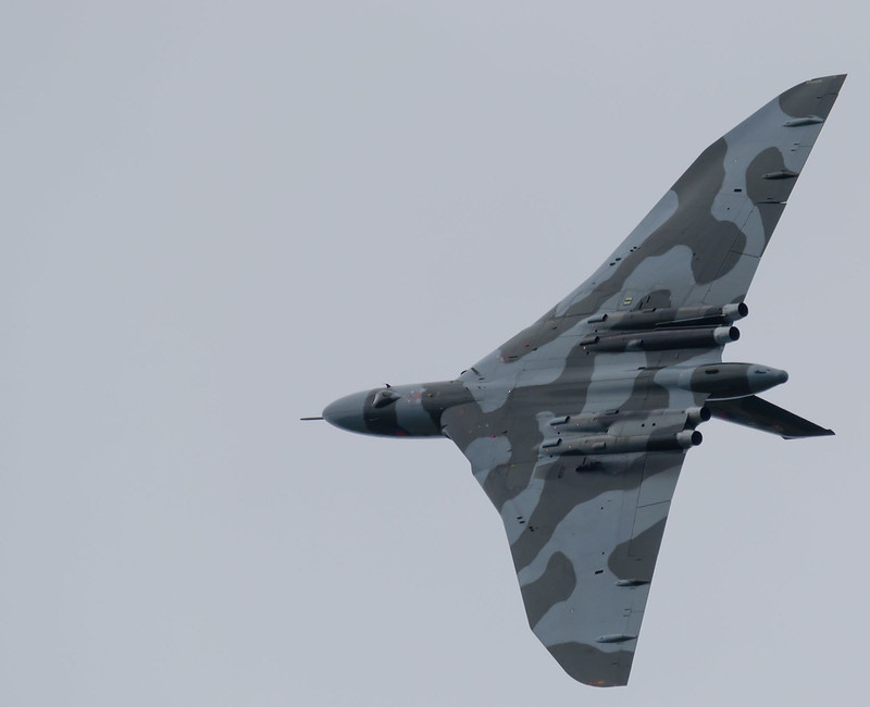 Vulcan XH588