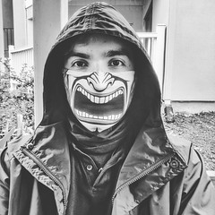 The horror!  #phonephotography #selfie #mood #blackandwhite #shotbypixel #a teampixel #insideooutside #outdoors #workoutfit #voicewithin #scream #helpme #jemthecrow