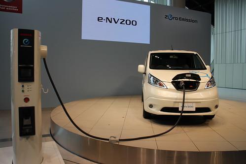 e-NV200 (2014年10月発売予定)