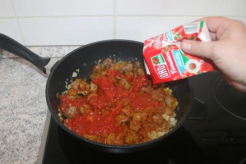 33 - Mit Tomaten ablöschen / Deglaze with tomatoes