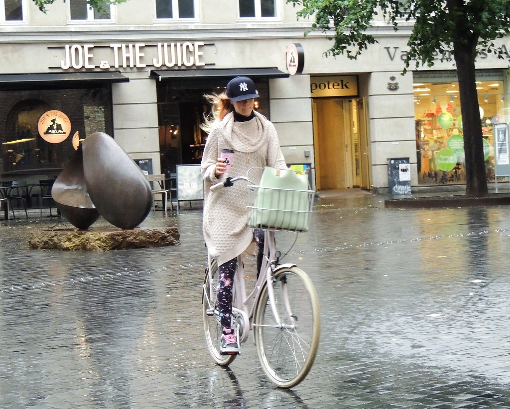 SO Cycle Chic in the rain