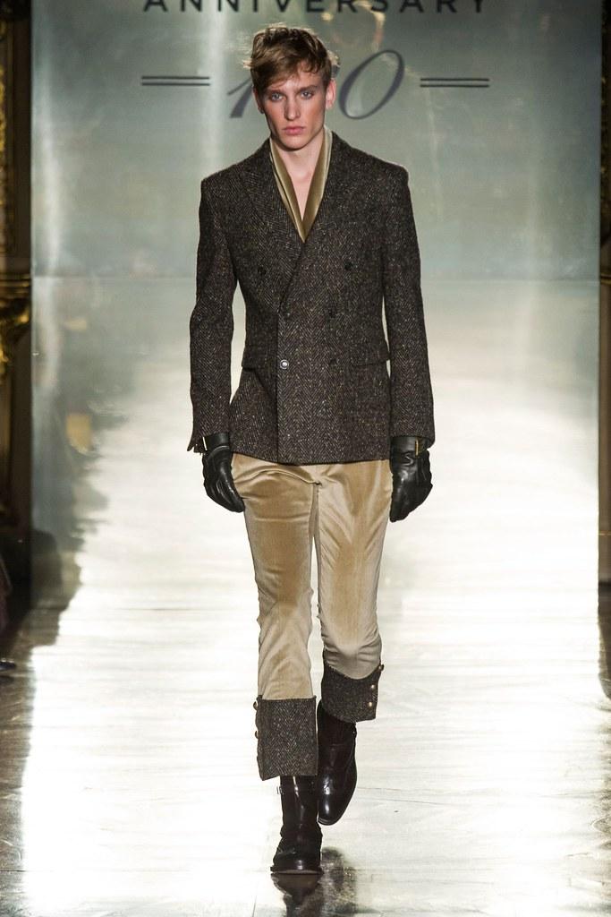 Jeroen Smits3071_FW14 Milan Daks(fashionising.com)