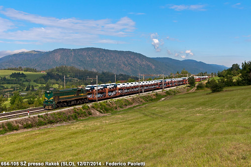 auto mountains train montagne diesel merci railway zug slovenia 105 bahn plain stazione treno freight carri koper pianura locomotiva 664 sž rakek slovenskeželeznice