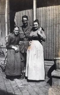 Grandma, Self, Auntie - Steenwerck