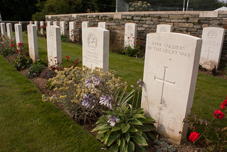 Five soldiers of the Great War at Locre No. 10 Cemetery